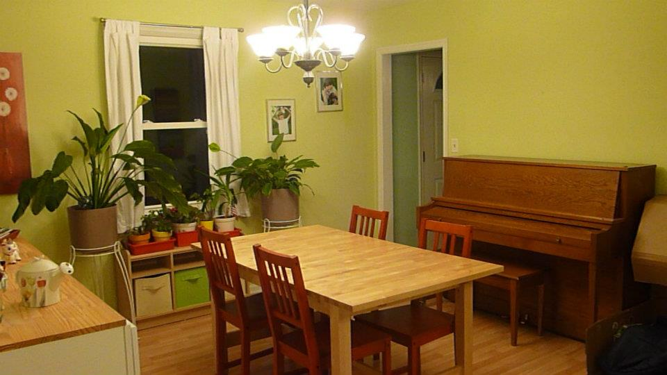 Homeschoolers' dining room